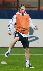 MILAN, ITALY - Monday, March 10, 2008: Liverpool's Fernando Torres training at the San Siro Stadium ahead of the UEFA Champions League First knockout round 2nd Leg match against FC Internazionale Milano. (Pic by David Rawcliffe/Propaganda)