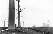 Nederland, Groningen, 1-5-1997Windmolenpark bij de Eemshaven. Windenergie, Milieutegenstelling molen, windmolen,Contrast oud en nieuwFoto: Flip Franssen/Hollandse Hoogte