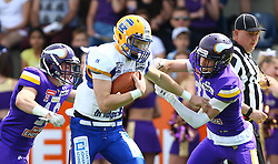19.06.2016, FAC Stadion, Wien, AUT, AFL, AFC Vienna Vikings vs Projekt Spielberg Graz Giants, im Bild Maximilian Zangl (Vienna Vikings), Christoph Gubisch (Projekt Spielberg Graz Giants, QB, #5) und Sebastian Wimmer (Vienna Vikings) // during the AFL game between AFC Vienna Vikings vs Projekt Spielberg Graz Giants at the FAC Stadion, Vienna, Austria on 2016/06/19. EXPA Pictures © 2016, PhotoCredit: EXPA/ Thomas Haumer