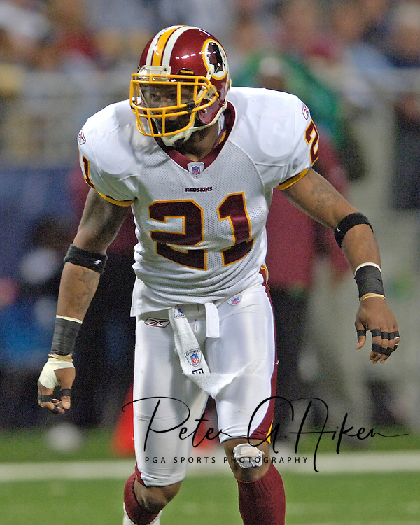 Washington Redskins safety Sean Taylor against the St. Louis Rams at the Edward Jones Dome in St. Louis, Missouri, December 4, 2005.  The Redskins beat the Rams 24-9.