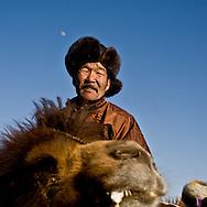 Mongolia. portrait of a stockbreeder during the Camel festival. Gobi desert.  Bulgan - Mongolia