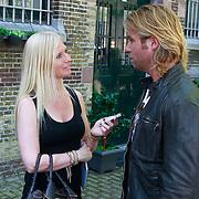 NLD/Leeuwarden/20110627 - Perspresentatie Moordvrouw, Thijs Romer word geinterviewd