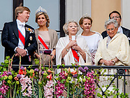 The King Harald and Queen Sonja greet people the Palace Square from the Palace Balcony DAG 1