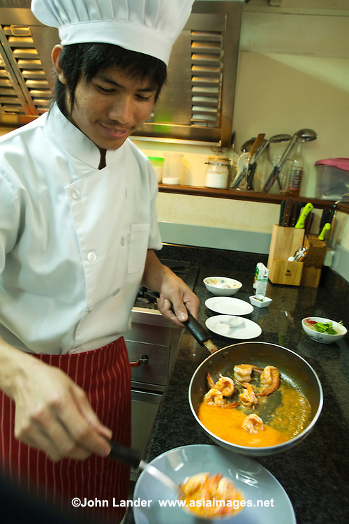 Thai Chef - Thai curry refers to dishes in Thai cuisine that are made with various types of curry paste; the term can also refer to the pastes themselves. A Thai curry dish is made from curry paste, coconut milk or water, meat, seafood, vegetables or fruit, and herbs. Curries in Thailand mainly differ from the curries in Indian cuisine and other South Asian cuisines in their use of fresh ingredients such as herbs and aromatic leaves over a mix of spices