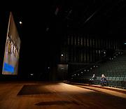 AMSTERDAM, 15-04-2021, ITA<br /> <br /> Koningin Maxima tijdens een bezoek aan het Internationaal Theater Amsterdam. Het werkbezoek stond in het teken van de gevolgen van de coronacrisis voor de programmering en de nieuwe manieren die zijn gevonden om in deze periode een groot publiek te kunnen blijven bereiken.<br /> <br /> Queen Maxima during a visit to the International Theater Amsterdam. The working visit was devoted to the consequences of the corona crisis for programming and the new ways that have been found to continue to reach a large audience during this period.