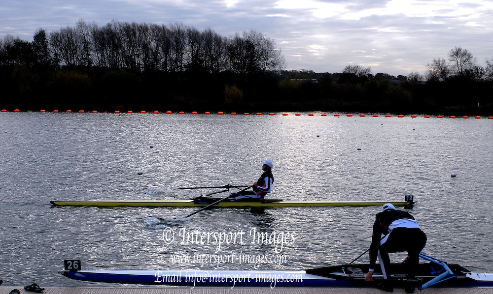 Caversham, Nr Reading, GREAT BRITAIN, BIRO Sculling Test, invited sculler under go a time trial and then a six abreast race over 2000 meters at the British International Rowing complex at Caversham Lake, on Wed 22.11. 2006. [Photo, Peter Spurrier/Intersport-images]. Rowing course: GB Rowing Training Complex, Redgrave Pinsent Lake, Caversham, Reading
