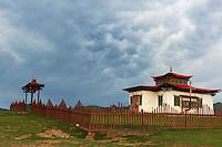 Mongolie, province de Ovorkhangai, vallée Orkhon classée Patrimoine Mondial de l'UNESCO, Kharkhorin, petit monastère dominant la ville. // Mongolia, Ovorkhangai, Kharkhorin, small Monastery above the city, Orkhon valley, Unesco world heritage
