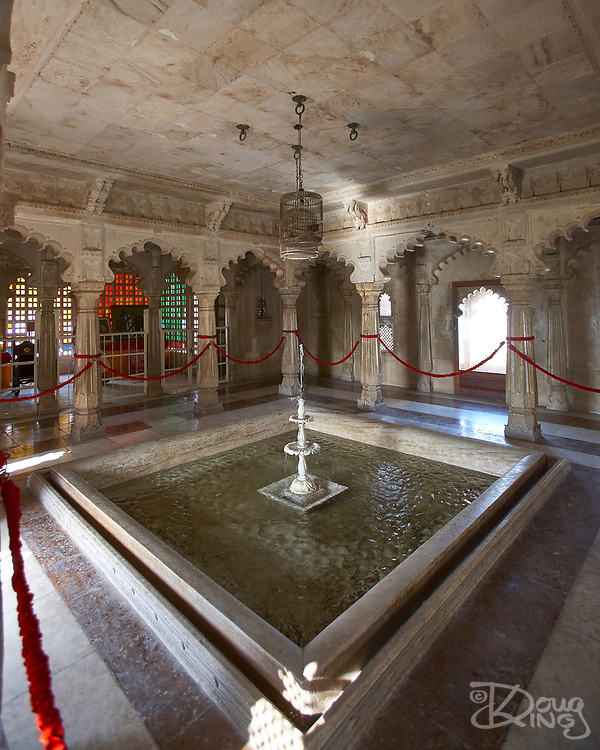 Indoor fountains provided natural air conditioning to the City Palace in Udaipur, Rajasthan, India <br /> <br /> Editorial & Non-Commercial use only