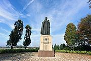 Nederland, Tubbergen, 13-11-2014Dorp in Twente. Met het grote beeld van Dr. Schaepman, hier geboren. Hij was een Nederlands dichter, rooms katholiek priester, theoloog en politicus. Hij speelde een doorslaggevende rol in de katholieke emancipatie als eerste priester die lid van de Tweede Kamer werd.FOTO: FLIP FRANSSEN/ HOLLANDSE HOOGTE