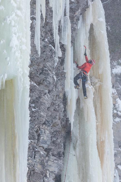 D'Zaô climbing Puzzle Smashing M7+ in Pont-Rouge, Quebec