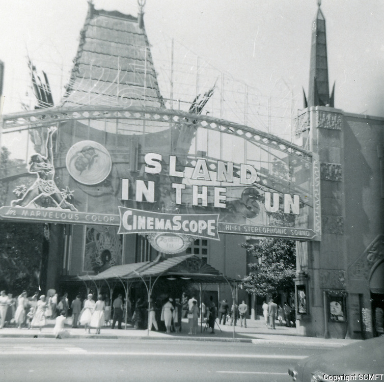 1957 Grauman's Chinese Theater