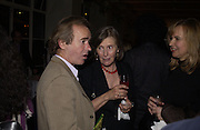 Martin Amis. party for Anthony Lane's book hosted  given by David Remnick, editor of the New Yorker. River Cafe. 12 November 2002.  © Copyright Photograph by Dafydd Jones 66 Stockwell Park Rd. London SW9 0DA Tel 020 7733 0108 www.dafjones.com