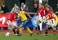 Fotball<br /> Landskamp J15/16 år<br /> Tidenes første landskamp for dette alderstrinnet<br /> Sverige v Norge 1-3<br /> Steungsund<br /> 11.10.2006<br /> Foto: Anders Hoven, Digitalsport<br /> <br /> Natalie Medina - Sverige