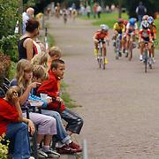 Rabo wiellerronde van Bussum 2004, publiek, toeschouwers, straat, circuit