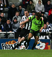 Photo. Andrew Unwin, Digitalsport<br /> Newcastle United v Sporting Lisbon, Uefa Cup Quarter Final First Leg, St James' Park, Newcastle upon Tyne 07/04/2005.<br /> Newcastle's Andy O'Brien (L) tussles with Sporting's Sa Pinto (R).