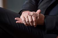 10 DEC 2016, BERLIN/GERMANY:<br /> Haende von Horst Seehofer, CSU, Bundesinnenminister, waehrend einem Interview, in seinem Buero, Bundesinnenministerium<br /> IMAGE: 20181210-02-028<br /> KEYWORDS; Büro, Hand, Hände