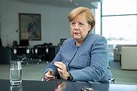09 OCT 2017, BERLIN/GERMANY:<br /> Angela Merkel, CDU, Bundeskanzlerin, waehrend einem Interview, in ihrem Buero, Bundeskanzleramt<br /> IMAGE: 20171009-01-005<br /> KEYWORDS: Büro