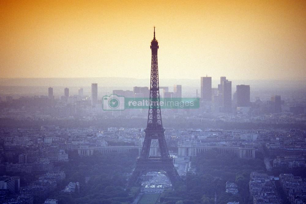 Nov. 24, 2014 - Eiffel Tower, Paris, France (Credit Image: © Ken Ross/VW Pics via ZUMA Wire)