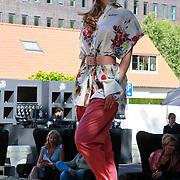 NLD/Rijswijk/20110601 - Uitreiking Talkies Terras Award 2011, modeshow