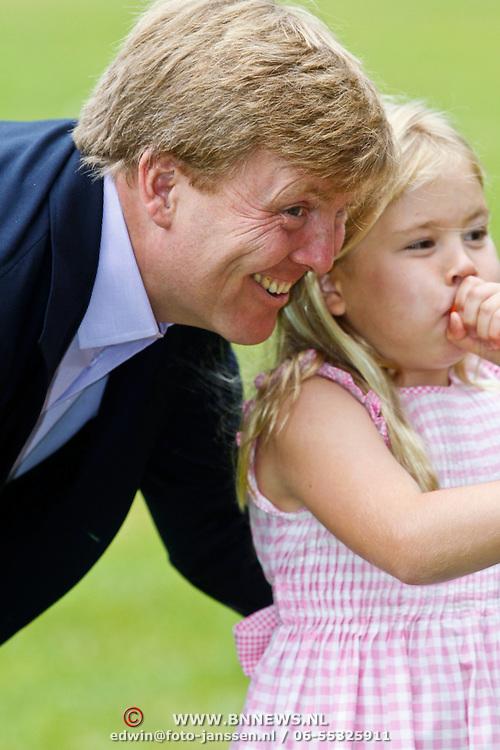 NLD/Wassenaar/20100705 - Fotosessie met Hunne Koninklijke Hoogheden de Prins van Oranje, Prinses Máxima, Prinses Catharina-Amalia, Prinses Alexia en Prinses Ariane,