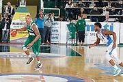 DESCRIZIONE : Avellino Lega A 2015-16 Sidigas Avellino Banco di Sardegna Sassari<br /> GIOCATORE : Alex Acker<br /> CATEGORIA : palleggio<br /> SQUADRA : Sidigas Avellino <br /> EVENTO : Campionato Lega A 2015-2016 <br /> GARA : Sidigas Avellino Banco di Sardegna Sassari<br /> DATA : 09/11/2015<br /> SPORT : Pallacanestro <br /> AUTORE : Agenzia Ciamillo-Castoria/A. De Lise <br /> Galleria : Lega Basket A 2015-2016 <br /> Fotonotizia : Avellino Lega A 2015-16 Sidigas Avellino Banco di Sardegna Sassari