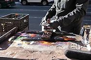NEW YORK  2020V10<br /> Gatukonstnär vid Times Square.<br /> Streetart at Times Square.<br /> <br /> Foto: Per Danielsson/Projekt.P