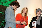 """Prinses Maxima is aanwezig bij de opening van de internationale kunstmanifestatie 'Ja Natuurlijk - hoe kunst de wereld redt' in en om het Gemeentemuseum, het GEM en het Fotomuseum in Den Haag. <br /> <br /> Princess Maxima attends the opening of the international art 'Yes of course - how art saves the world """"and to the Municipal Museum, the GEM and the Photography Museum in The Hague.<br /> <br /> Op de foto / On the photo:  Prinses Maxima op de tentoonstelling / Princes Maxima at the exibition"""