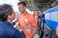 AMSTELVEEN - Oranje haalt het goud op. Sander de Wijn (Ned)     , links Stefan Veen.    EK hockey, finale Nederland-Duitsland 2-2. mannen.  Nederland wint de shoot outs en is Europees Kampioen.  COPYRIGHT KOEN SUYK