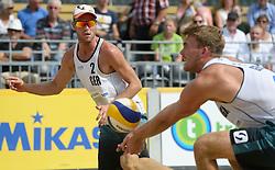 17-07-2014 NED: FIVB Grand Slam Beach Volleybal, Apeldoorn<br /> Poule fase groep A mannen - Alexander Walkenhorst (1), Stefan Windscheif (2) GER