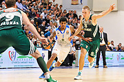 DESCRIZIONE : Eurolega Euroleague 2014/15 Gir.A Dinamo Banco di Sardegna Sassari - Zalgiris Kaunas<br /> GIOCATORE : Edgar Sosa<br /> CATEGORIA : Palleggio<br /> SQUADRA : Dinamo Banco di Sardegna Sassari<br /> EVENTO : Eurolega Euroleague 2014/2015<br /> GARA : Dinamo Banco di Sardegna Sassari - Zalgiris Kaunas<br /> DATA : 14/11/2014<br /> SPORT : Pallacanestro <br /> AUTORE : Agenzia Ciamillo-Castoria / Claudio Atzori<br /> Galleria : Eurolega Euroleague 2014/2015<br /> Fotonotizia : Eurolega Euroleague 2014/15 Gir.A Dinamo Banco di Sardegna Sassari - Zalgiris Kaunas<br /> Predefinita :AUTORE : Agenzia Ciamillo-Castoria/C.Atzori