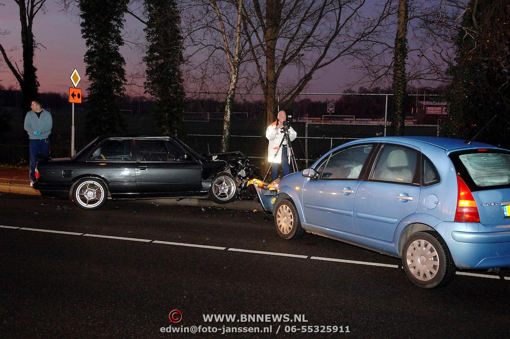 NLD/Huizen/20061219 - Ongeval Bestevear - Baanbergerweg Huizen door ondergaande zon