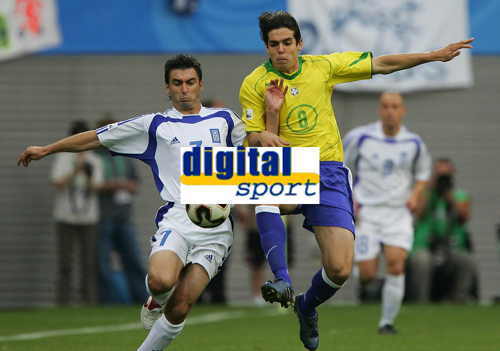 Fotball, 16. juni 2005, <br /> Conferderations Cup Brasil - Hellas<br /> v.l. Theo Zagorakis, Kaka Brasil<br /> <br />  Norway only
