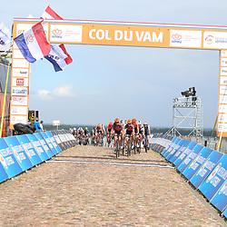 22-08-2020: Wielrennen: NK vrouwen: Drijber<br /> Chantal van den Broek-Blaak voert de forcing