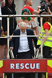 """© Licensed to London News Pictures. 27/06/2016. London, UK. Labour Party leader JEREMY CORBYN addresses a """"Keep Corbyn"""" Momentum demonstration outside the Houses of Parliament in london. The majority of the Labour shadow cabinet resigned today (Mon) in protest at Corbyn's leadership. Photo credit: Ben Cawthra/LNP"""