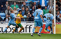 Photo: Richard Lane/Richard Lane Photography. Coventry City v Norwich City. Coca-Cola Championship. 09/08/2008. Coventry's Leon McKenzie scores a goal.