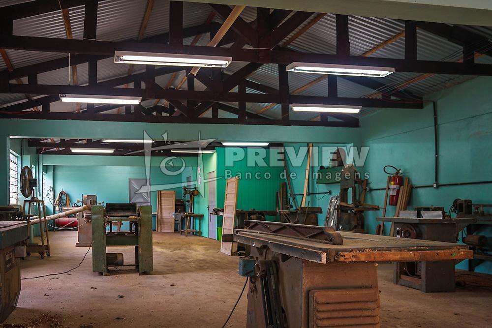 """14™ CRE ñ ESC. EST. T…CNICA GUARAMANO, em Guarani das Missıes. ReconstruÁ""""o da marcenaria. R$ 150 mil. FOTO: Jefferson Bernardes/ AgÍncia Preview"""