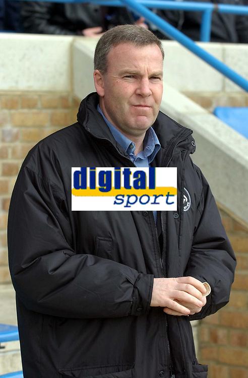 Photo: Olly Greenwood.<br />Gillingham v Swansea City. Coca Cola League 1. 25/03/2006. Swansea manager Kenny Jackett