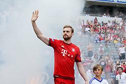11.07.2015, Alianz Arena, Muenchen, GER, 1. FBL, FC Bayern Muenchen, Teampräsentation, im Bild Jan Kirchhoff #15 (FC Bayern Muenchen) kommt in die Arena // during the Teampresentation of German Bundesliga Club FC Bayern Munich at the Alianz Arena in Muenchen, Germany on 2015/07/11. EXPA Pictures © 2015, PhotoCredit: EXPA/ Eibner-Pressefoto/ Kolbert<br /> <br /> *****ATTENTION - OUT of GER*****