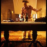 Grau Garriga treballant a la Sala Capitular del Monestir de Sant Cugat , 13,14 /06/1985