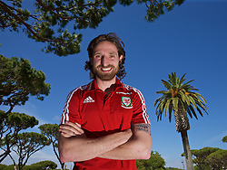 VALE DO LOBO, PORTUGAL - Wednesday, May 25, 2016: Wales' Joe Allen during day two of the pre-UEFA Euro 2016 training camp at the Vale Do Lobo resort in Portugal. (Pic by David Rawcliffe/Propaganda)