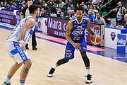 DESCRIZIONE : Campionato 2014/15 Serie A Beko Dinamo Banco di Sardegna Sassari - Acqua Vitasnella Cantu'<br /> GIOCATORE : Damian Hollis<br /> CATEGORIA : Palleggio<br /> SQUADRA : Acqua Vitasnella Cantu'<br /> EVENTO : LegaBasket Serie A Beko 2014/2015<br /> GARA : Dinamo Banco di Sardegna Sassari - Acqua Vitasnella Cantu'<br /> DATA : 28/02/2015<br /> SPORT : Pallacanestro <br /> AUTORE : Agenzia Ciamillo-Castoria/L.Canu<br /> Galleria : LegaBasket Serie A Beko 2014/2015