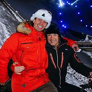 DUI/Hinterzarten/20130212 - Opname Vliegende Hollanders 2013 - Sterren van de Schans, Gerard Joling op de sneeuwscooter met chauffeur??