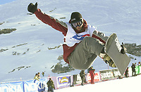 Svenske Stefan Karlsson, som ble tredjemann i FIS-verdenscupen i halfpipe i Tignes i Frankrike lørdag. (Foto: Digitalsport)