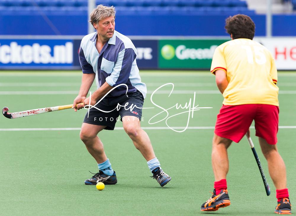 DEN HAAG -  Floris Jan Bovelander. Tijdens het WK hockey speelt het team dat in 1998 in Utrecht wereldkampioen werd,  tegen het oude nationale team van Spanje. Veel oud internationals zijn van de patij. COPYRIGHT KOEN SUYK