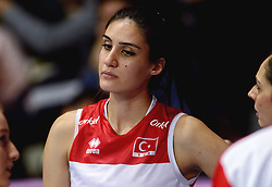 09-01-2016 TUR: European Olympic Qualification Tournament Turkije - Italie, Ankara<br /> De strijd om de tweede Japan ticket / Kubra Akman #5 of Turkey