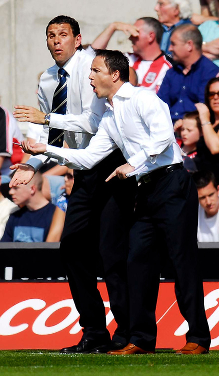 Photo: Alan Crowhurst.<br />Southampton v Leeds United. Coca Cola Championship. 21/04/2007. Leeds manager Dennis Wise (R) with assistant Gus Poyet.