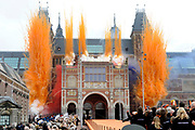 Koningin Beatrix heropent het Rijksmuseum na een verbouwing van bijna tien jaar.<br /> <br /> Queen Beatrix reopens the the Rijksmuseum after renovations of almost ten years.<br /> <br /> Op de foto / On the photo:  Openingsceremonie van het  Rijksmuseum / Opening Ceremony of the Rijksmuseum