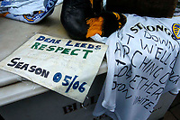 Photo. Glyn Thomas.<br /> Digitalsport<br /> NORWAY ONLY<br /> <br /> Leeds United v Charlton Athletic. <br /> FA Barclaycard Premiership. 08/05/2004.<br /> Messages of support are left for Leeds as they face relegation to Division 1.