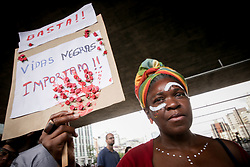 April 14, 2018 - Sao Paulo, Brazil - hundreds of people rally on Paulista Avenue in São Paulo to reminisce and protest for the 30 days of the city's death (Credit Image: © Dario Oliveira via ZUMA Wire)