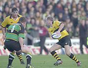 Northampton, Northamptonshire, UK, 08.12.2001, Alex KING, setting a pass to Craig DOWD, to bypass Saints, Mattie STEWART, Northampton Saints vs  London Wasps, Zurich Premiership Rugby, Franklyn Gardens, [Mandatory Credit: Peter Spurrier/Intersport Images]<br /> 8-12-2001